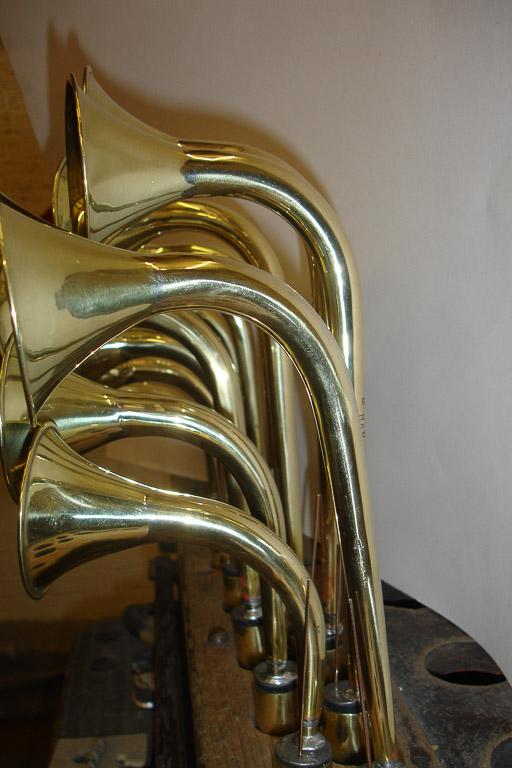 Swan neck brass